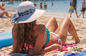 safe fun in the sun with Southern Boating's Top Ten Sun Safety Tips