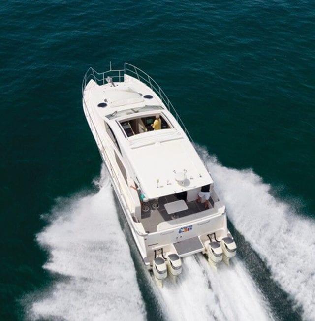 Mares Catamaran 47 Outboard Express