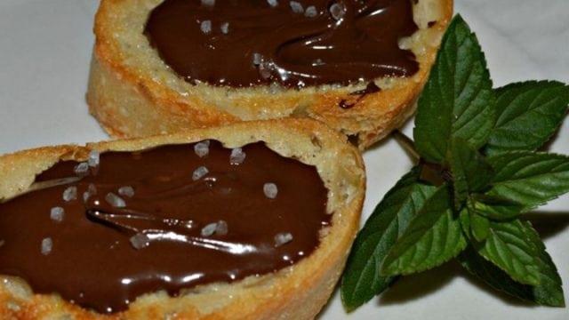 chocolate crostini