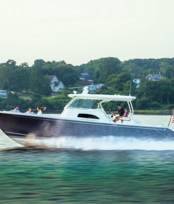 an image of the new Hinckley Sport Boat 40c from Southern Boating