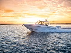 am image of a boat Everglades 340DC from Southern Boating