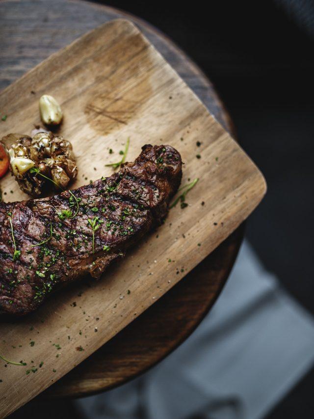 red-wine-steaks