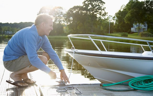 5 Must-Have Items for Spring Boating