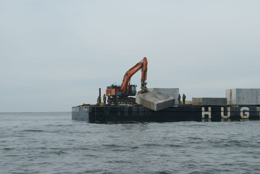 an image of the creation of an artificial reef in New York